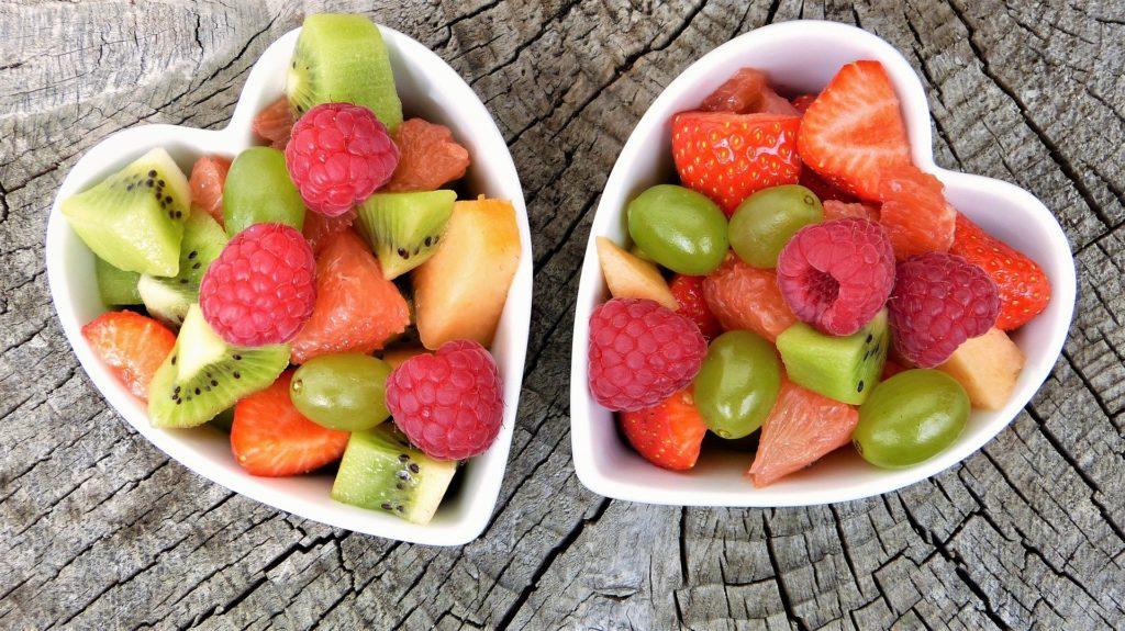 Assiette végétarienne : pensez aux fruits